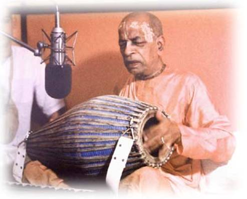 prabhupada_with_instrument