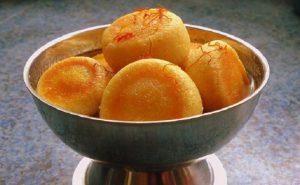 gulab-jamun-with-honey-saffron
