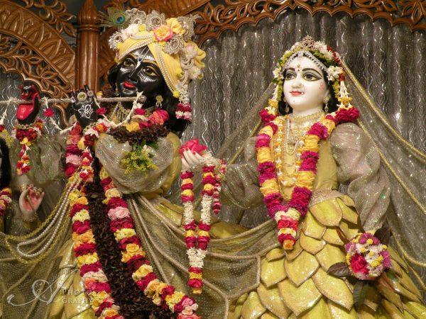 Sunday Deity Darshan 180_e